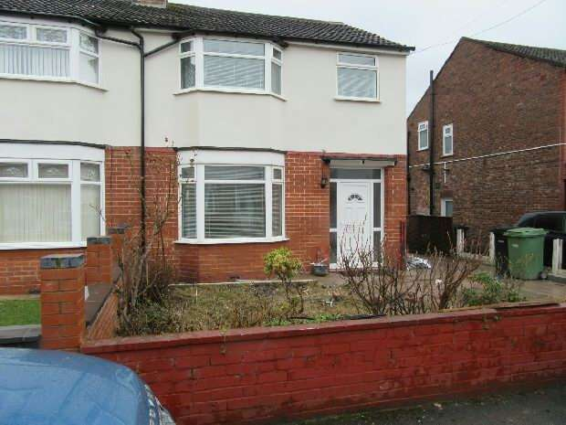 3 Bedrooms Semi Detached House for rent in Rotherwood Avenue, Stretford, Manchester