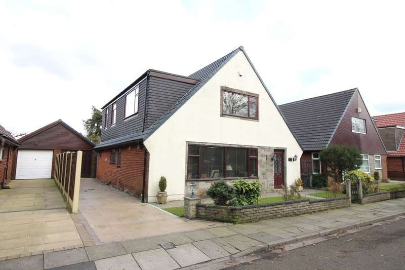 4 Bedrooms Detached House for sale in Longsight Road, Greenmount, Bury, BL8