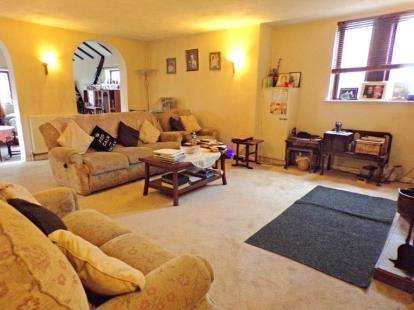 4 Bedrooms Detached House for sale in Ampthill Road, Kempston, Bedford, Bedfordshire