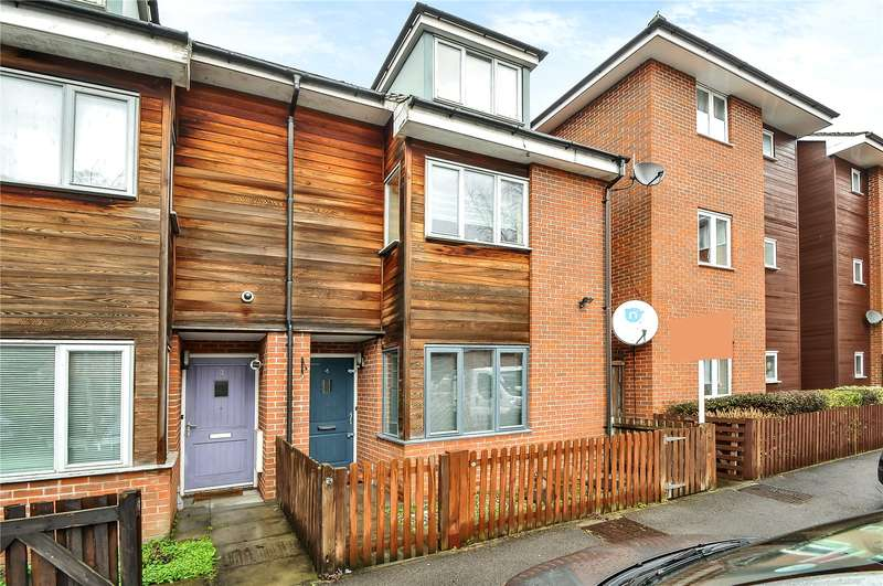 3 Bedrooms Mews House for sale in Owen Close, Northolt, Middlesex, UB5