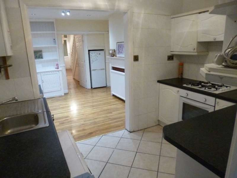 6 Bedrooms Terraced House for rent in Coldershaw Road, Ealing