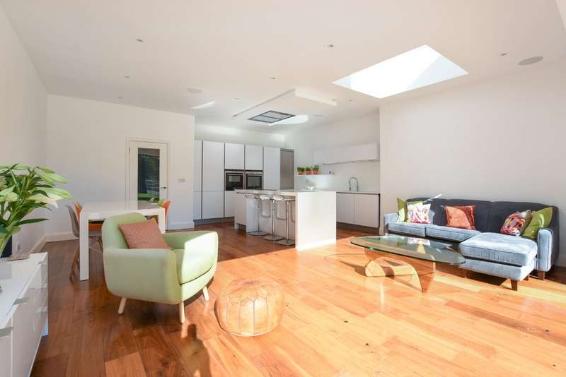 4 Bedrooms Semi Detached House for sale in Raeburn Avenue, Surbiton