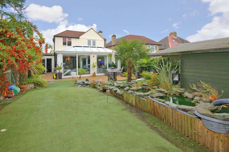 4 Bedrooms Detached House for sale in Mill Hill, London, NW7