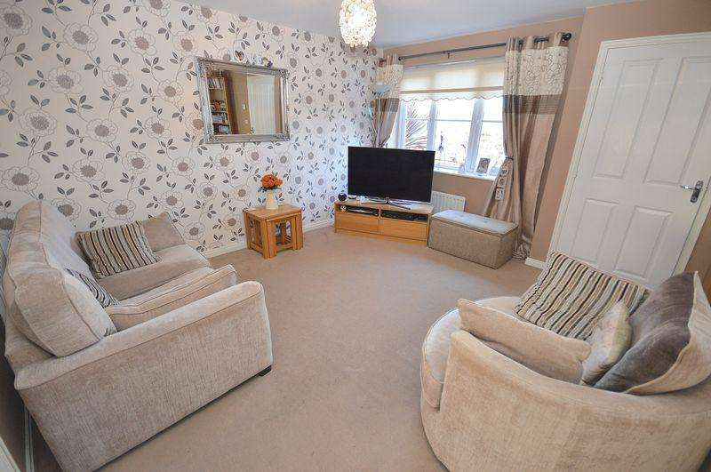 3 Bedrooms Terraced House for sale in Shackleton Avenue, Widnes