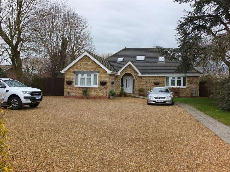 5 Bedrooms Detached Bungalow for sale in High Broadgate, Tydd St. Giles