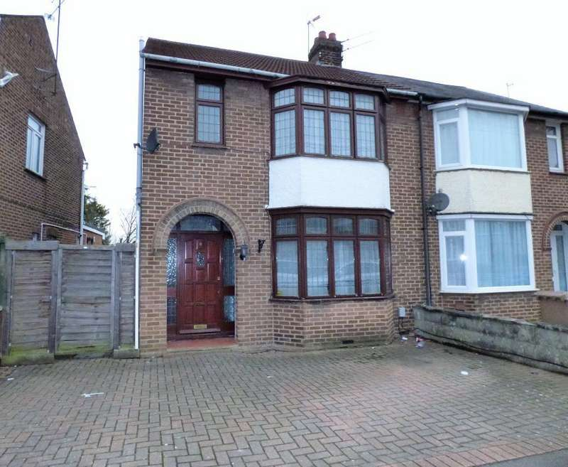 3 Bedrooms Semi Detached House for rent in Shakespeare Road, Luton, LU4 0HT