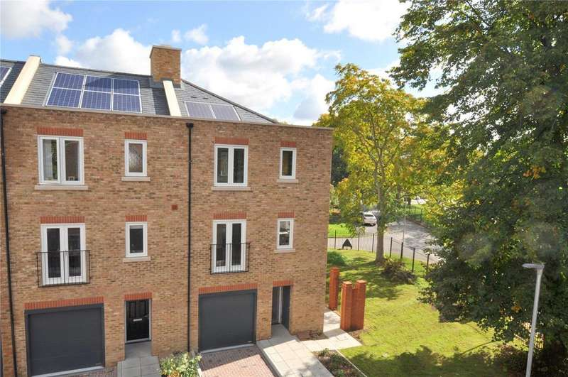 4 Bedrooms End Of Terrace House for sale in King William Close, The Broadway, Chichester, West Sussex, PO19