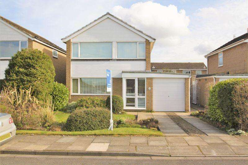 4 Bedrooms Detached House for sale in Chesterton Avenue, Thornaby, Stockton, TS17 0BH