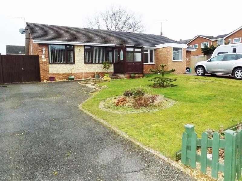 2 Bedrooms Semi Detached Bungalow for rent in Haresmoor Drive, Towcester