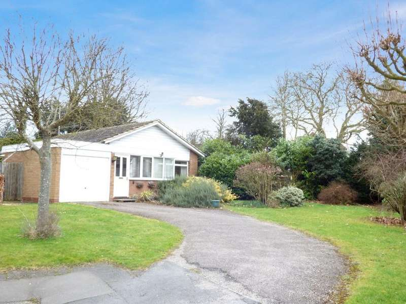 2 Bedrooms Detached Bungalow for sale in Coppice Close, Stratford-Upon-Avon