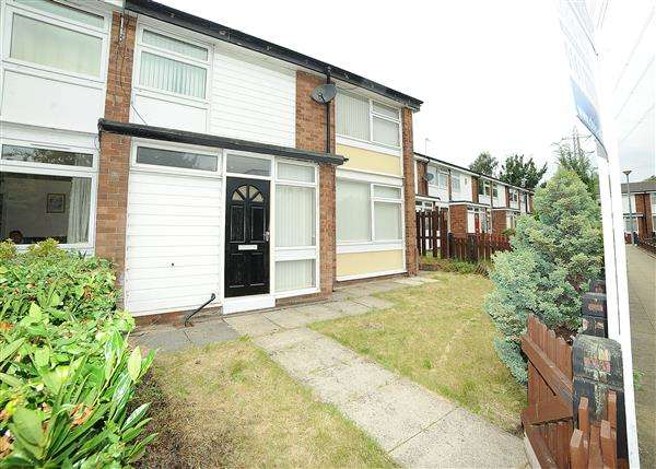 3 Bedrooms Terraced House for rent in 15 Boysnope Crescent M30 7RE