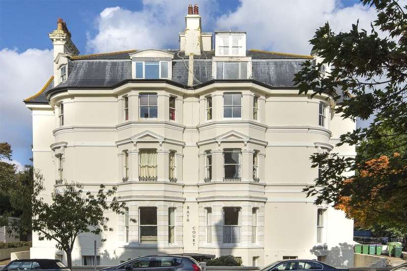 3 Bedrooms Flat for rent in Clifton Crescent, Folkestone, CT20