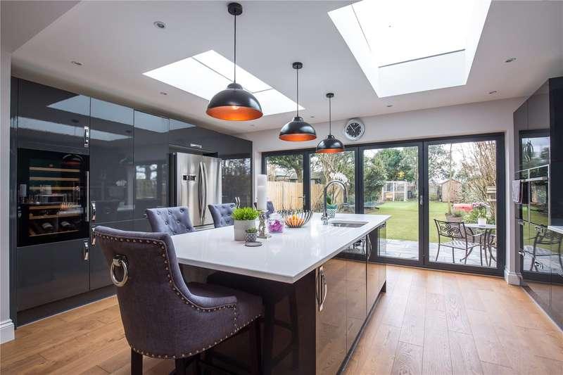 3 Bedrooms Semi Detached House for sale in Clifford Road, Barnet, Hertfordshire, EN5