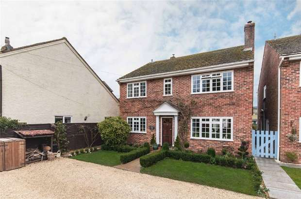 5 Bedrooms Detached House for rent in Henley-on-Thames, Buckinghamshire