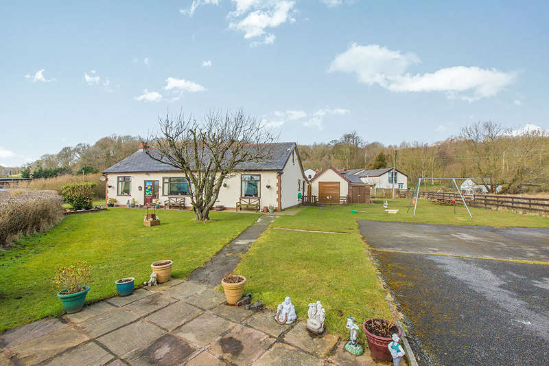 3 Bedrooms Detached Bungalow for sale in Fishwick Bottoms, Preston, PR2