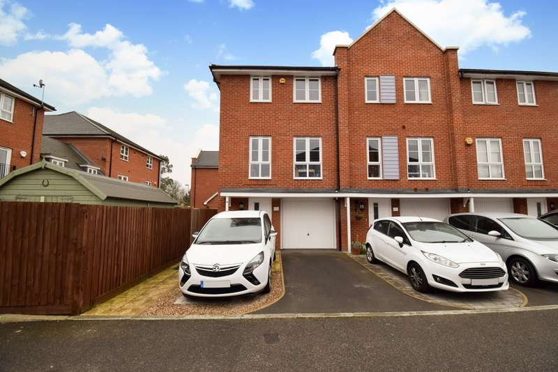 4 Bedrooms End Of Terrace House for sale in Wyeth Close, Taplow, SL6