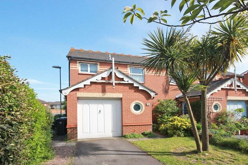 3 Bedrooms End Of Terrace House for sale in Normandy Drive, Purewell Meadows, CHRISTCHURCH