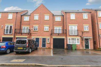 4 Bedrooms Terraced House for sale in Dixon Close, Redditch, Worcestershire
