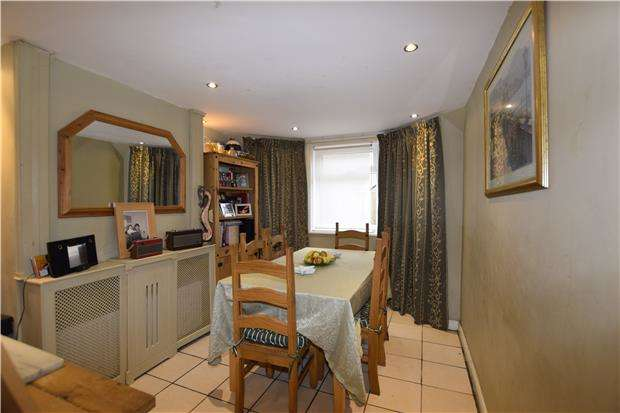 4 Bedrooms Terraced House for sale in Beamsley Road, EASTBOURNE, East Sussex, BN22 7EH