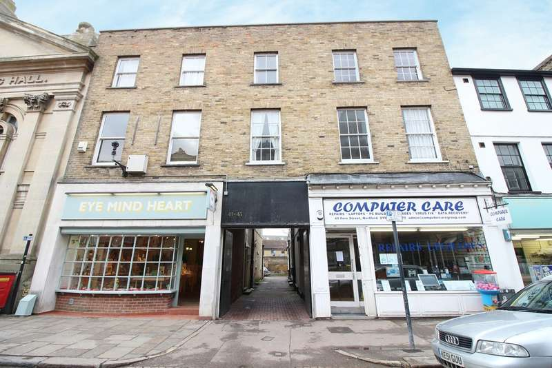2 Bedrooms Flat for sale in Fore Street, Hertford