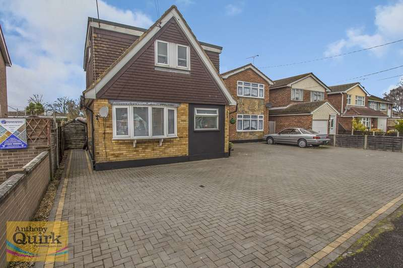 3 Bedrooms Chalet House for sale in Foster Road, Canvey Island, SS8
