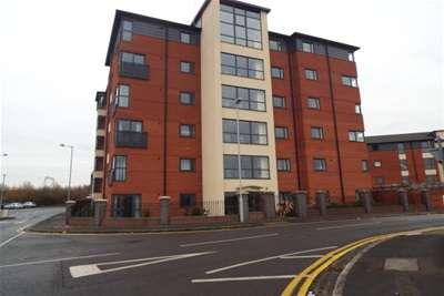 2 Bedrooms Flat for rent in Broad Gauge Way, Wolverhampton