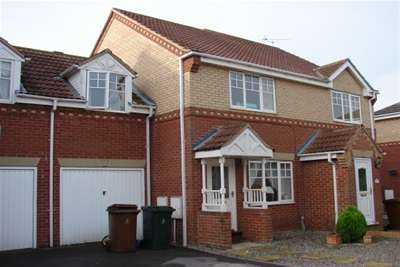 3 Bedrooms Semi Detached House for rent in Ryngwoode Drive, Malton