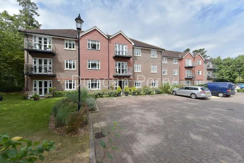 2 Bedrooms Apartment Flat for sale in Claregate, Little Heath, Potters Bar