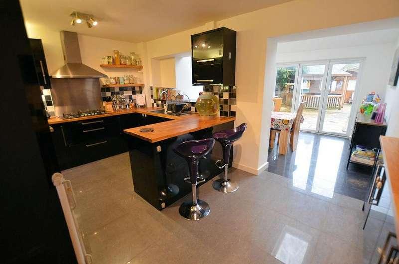 2 Bedrooms Terraced House for sale in Mayfair, Tilehurst, Reading