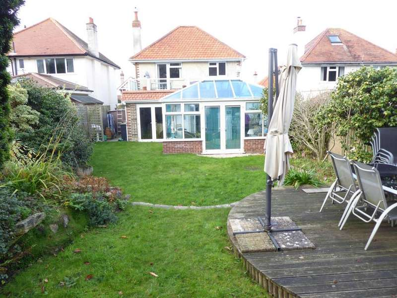 4 Bedrooms Detached House for sale in Horsa Road, Bournemouth, BH6