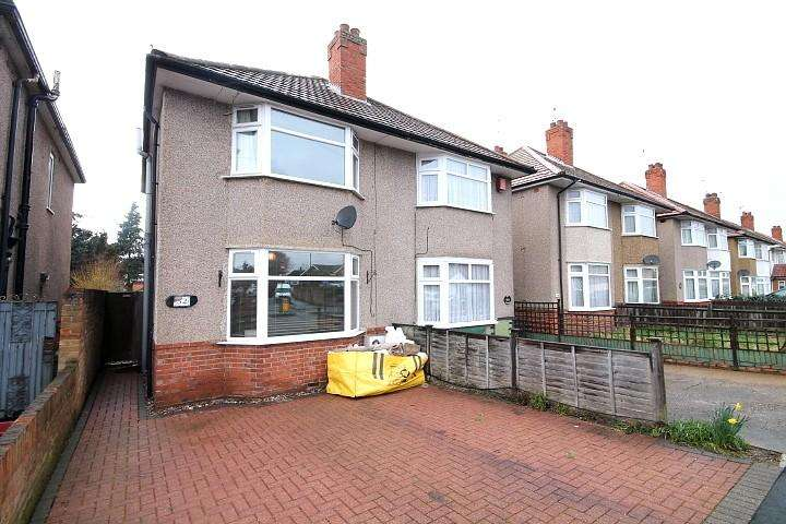 2 Bedrooms Semi Detached House for sale in Sunbury Road, Feltham, TW13