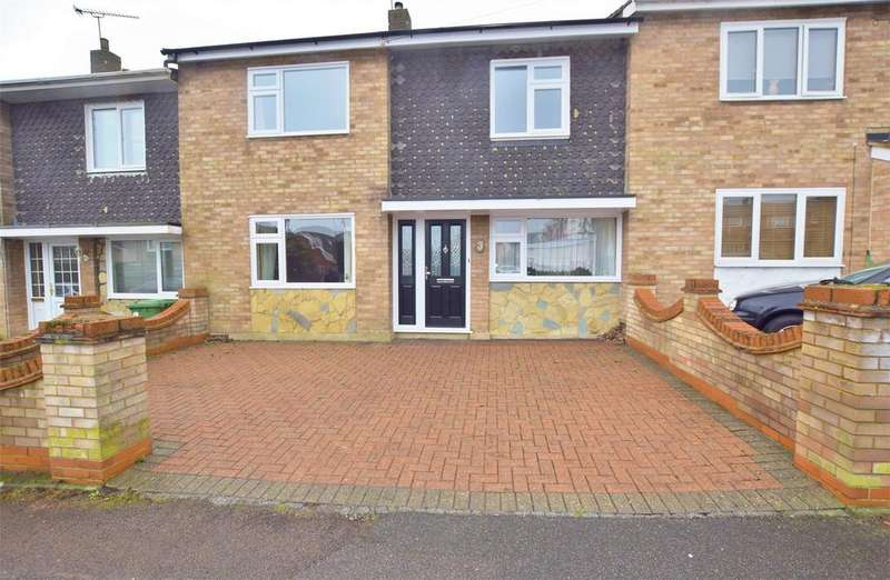 3 Bedrooms Terraced House for sale in Bourne Avenue, BASILDON
