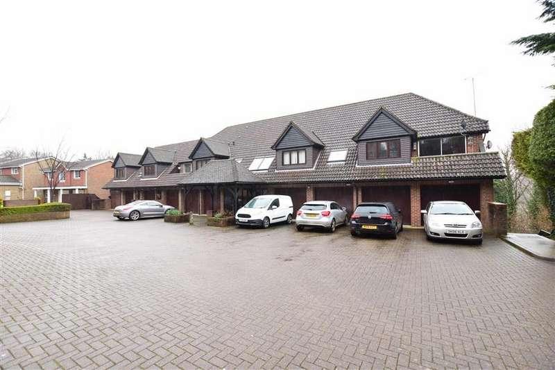 1 Bedroom Flat for sale in Mafeking Road, Walderslade, Chatham, Kent