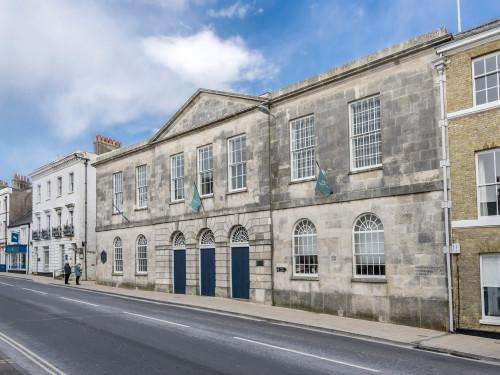 2 Bedrooms Flat for rent in DORCHESTER TOWN CENTRE