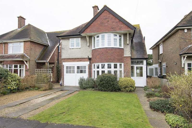 4 Bedrooms Detached House for sale in Milvil Road, Lee-on-the-Solent, Hampshire