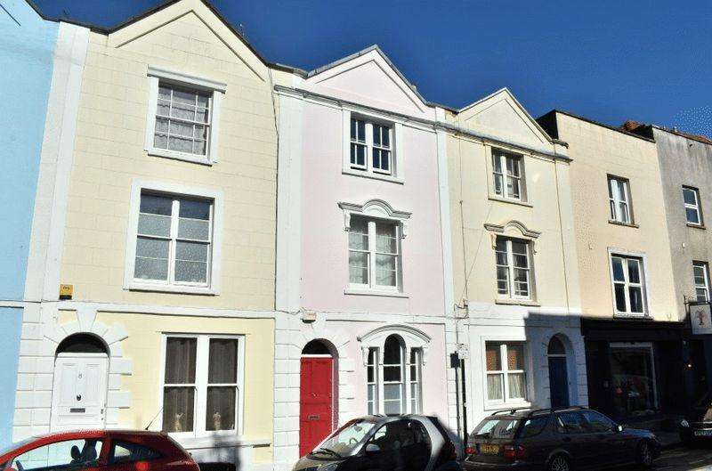 4 Bedrooms Terraced House for sale in Wellington Park, Clifton