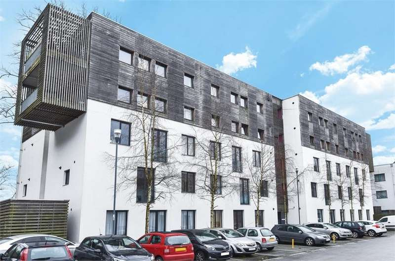 1 Bedroom Flat for sale in Barton Court, Godstone Road, Whyteleafe, Surrey