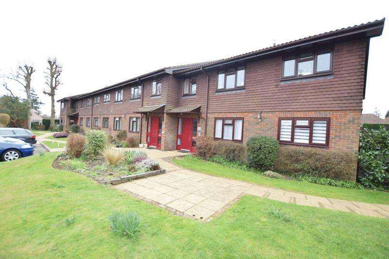 1 Bedroom Retirement Property for sale in Church Lane, Bearsted