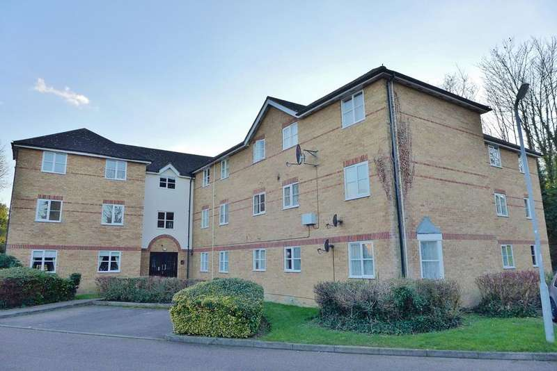2 Bedrooms Flat for rent in Chagny Close , Letchworth Garden City, SG6