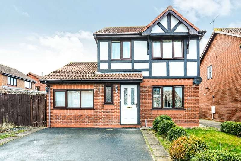 4 Bedrooms Detached House for sale in Walnut Crescent, Rhyl, LL18