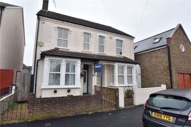3 Bedrooms Semi Detached House for sale in Waterloo Road, Uxbridge