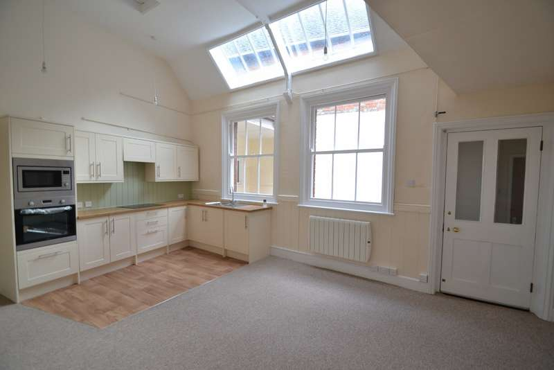 2 Bedrooms Terraced House for sale in Blandford