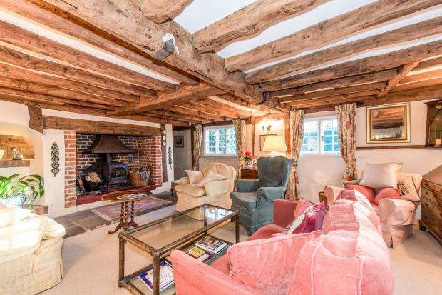 4 Bedrooms Detached House for sale in The Street, West Clandon, Guildford