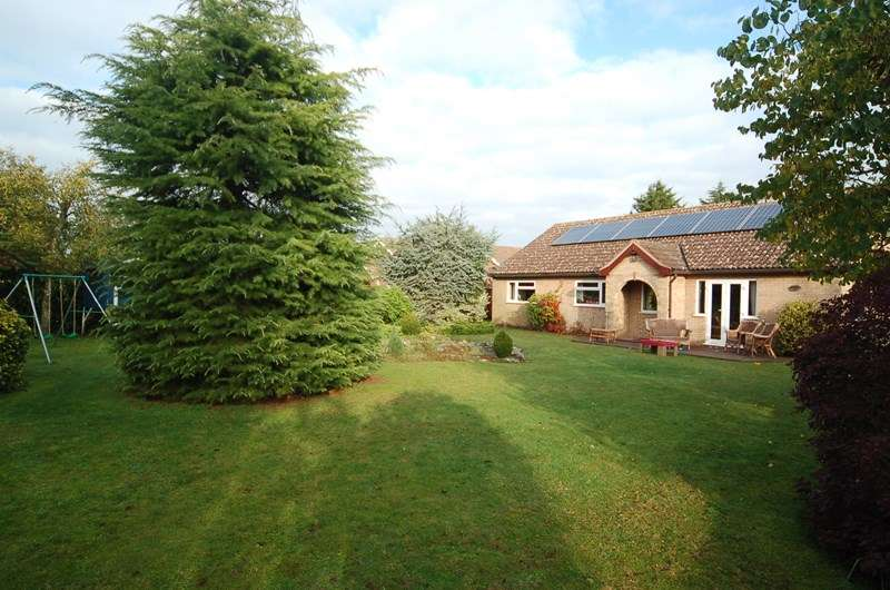 4 Bedrooms Property for rent in Church Road, Brandon