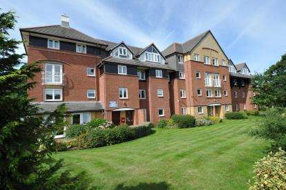 1 Bedroom Retirement Property for sale in Baden Court, Orrysdale Road, West Kirby, Wirral, CH48