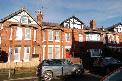 1 Bedroom Flat for sale in Dunraven Road, West Kirby, Wirral, CH48