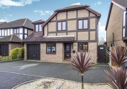 6 Bedrooms Detached House for sale in Muscliff, Bournemouth, Dorset