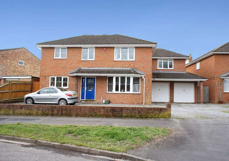 5 Bedrooms Detached House for sale in Marlborough Gardens, Oakley, Hampshire, RG23 7AH
