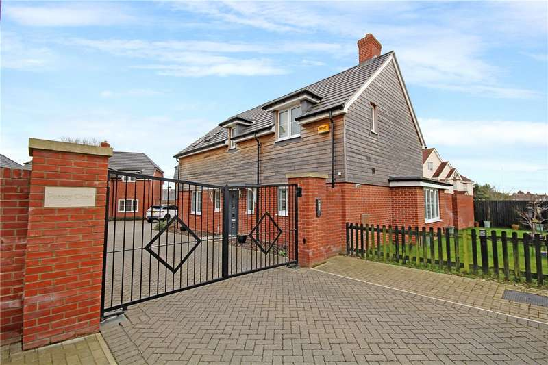 4 Bedrooms Detached House for sale in Furzey Close, Lower Parkstone, Poole, Dorset, BH14