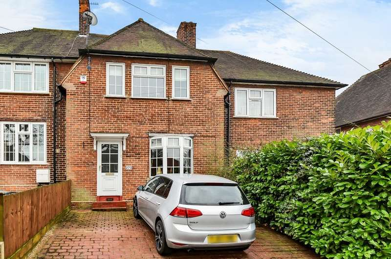 2 Bedrooms Terraced House for sale in Dunkery Road, London